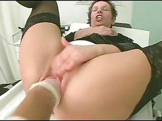 nurse makes no simple examination