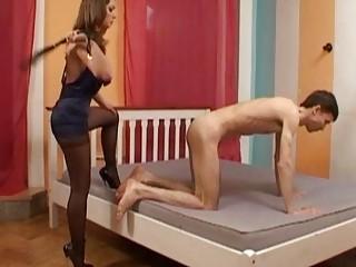 classy slut into ebony nylons whips her man slave