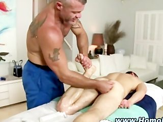 Gay guy convinces straighty to fuck and take it