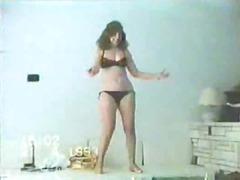 arab lady dance