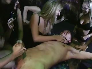 get nude restaurant bitches dominatep3
