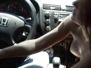sexy escort outdoor car fellatio after picked up