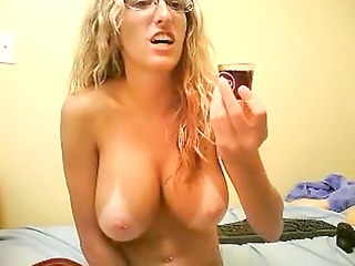 elay smith camgirl with big chest self satisfies
