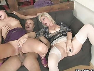 woman sucks daughters cave while daddy wanks